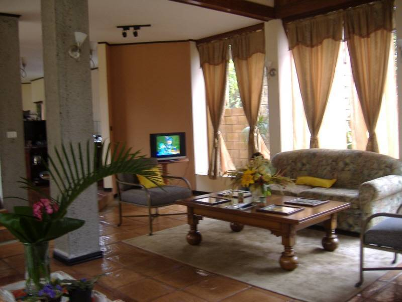 Vivis Place Bed and Breakfast, San Pedro, Costa Rica, Costa Rica hotels and hostels