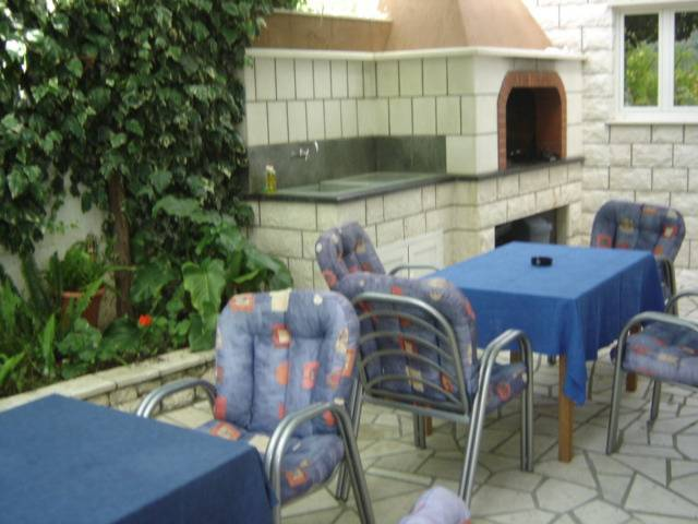 Apartmani Husanovic, Dubrovnik, Croatia, youth hostels and backpackers for sharing a room in Dubrovnik