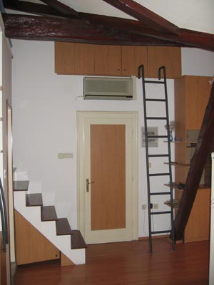 Apartment Bacvice, Split, Croatia, what is a backpackers hostel? Ask us and book now in Split