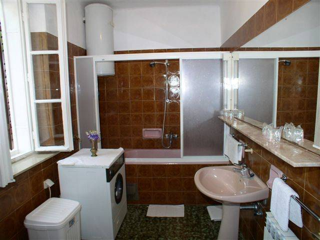 Apartment Gordana, Dubrovnik, Croatia, hotels and hostels for sharing a room in Dubrovnik