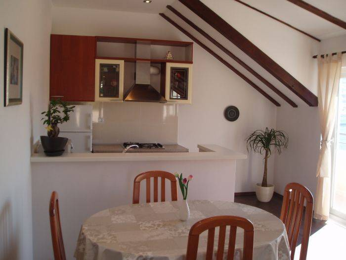 Apartment Iris, Dubrovnik, Croatia, hotels and hostels for sharing a room in Dubrovnik