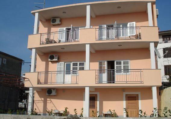 Apartments Jure Miljak, Podstrana, Croatia, Croatia hotels and hostels