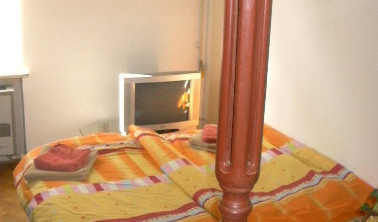 Apartment Goran - Search available rooms for hotel and hostel reservations in Novi Zagreb 4 photos