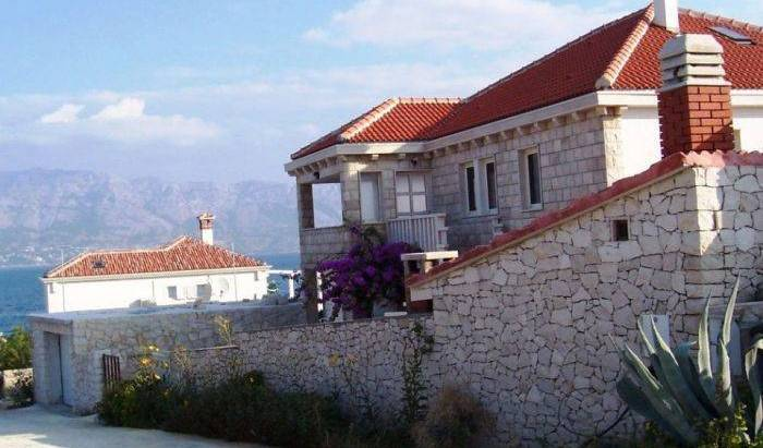 Apartments Vanja - Search available rooms for hotel and hostel reservations in Povlja 24 photos
