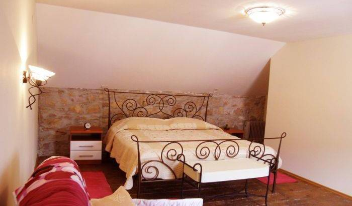 House Jasna - Search available rooms for hotel and hostel reservations in Maslinica, cheap hotels 15 photos