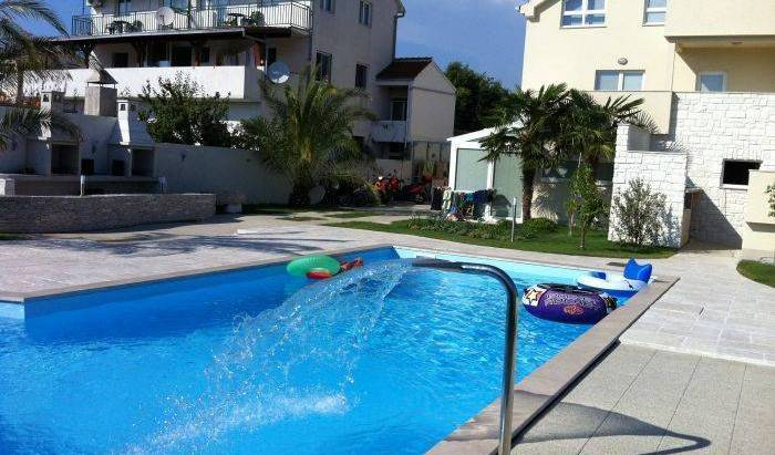 Murter-Betina - Search for free rooms and guaranteed low rates in Murter 76 photos