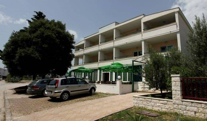 Vila Stafileo - Search available rooms for hotel and hostel reservations in Kastel Stafilic, hotel bookings 12 photos