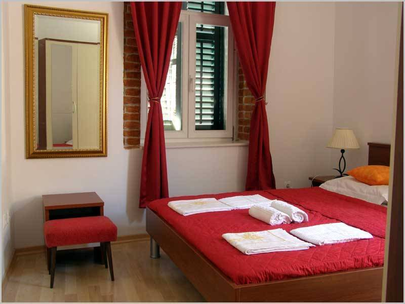Diocletian PalaceGuest House, Split, Croatia, join the best hotel bookers in the world in Split