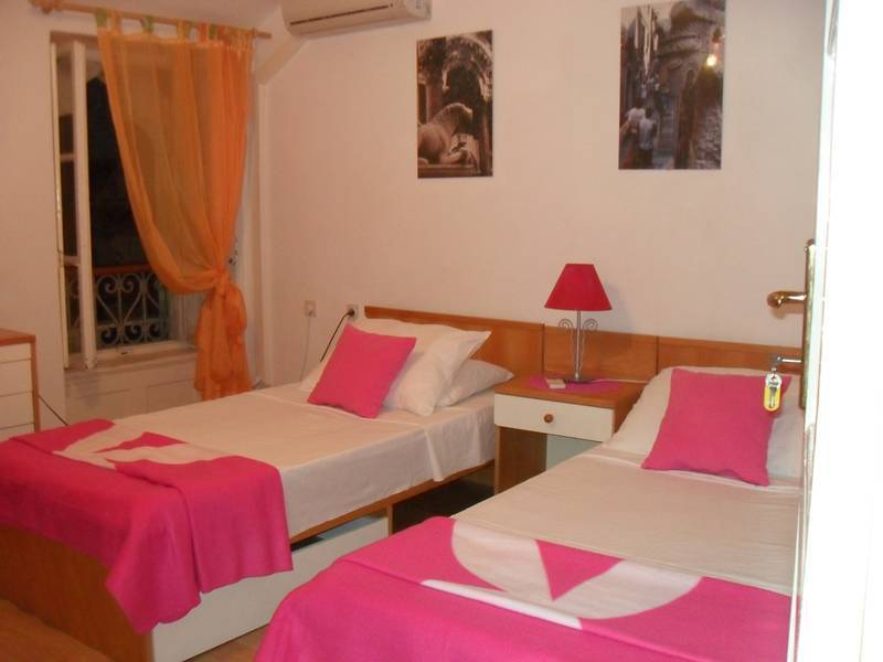 Guest House Nives, Split, Croatia, Instant World Booking receives top ratings from customers and hotels as a trustworthy and reliable travel booking site in Split