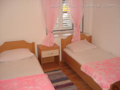 Mery Room, Dubrovnik, Croatia, book unique hotels or hostels and experience a city like a local in Dubrovnik