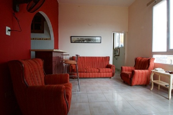 Apartamento La Sortija, La Habana Vieja, Cuba, explore hotels with pools and outdoor activities in La Habana Vieja