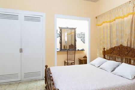 Apartamentos Maggy Habana, Centro Habana, Cuba, small hotels and hotels of all sizes in Centro Habana
