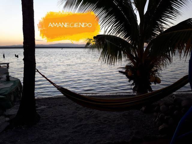 Casa Vista Al Mar, Cienfuegos, Cuba, have a better experience, book with Instant World Booking in Cienfuegos