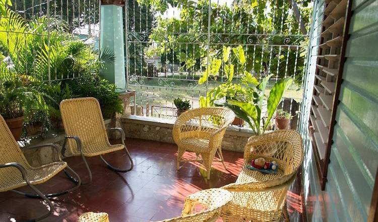 Casa Ana Rita - Search for free rooms and guaranteed low rates in Vista Alegre, UPDATED 2021 cool hostels for every traveler who's on a budget in El Cobre, Cuba 8 photos