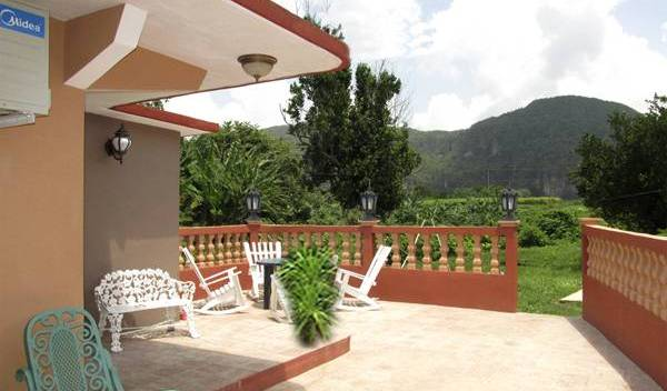Casa Fernando Diaz - Search for free rooms and guaranteed low rates in Vinales, affordable apartments and aparthotels 18 photos