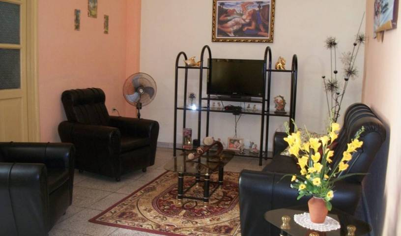 Hostal Cuba 215 - Search available rooms for hotel and hostel reservations in Santa Clara 15 photos