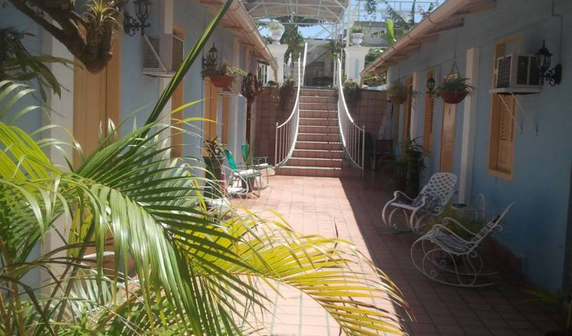 Hostal La Casona de Santa Rita - Search for free rooms and guaranteed low rates in Santiago de Cuba 26 photos