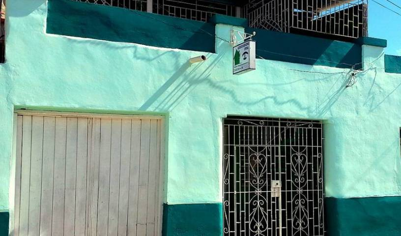Villa Arenas Hostal - Search for free rooms and guaranteed low rates in Holguin, hotels near transportation hubs, railway, and bus stations 7 photos