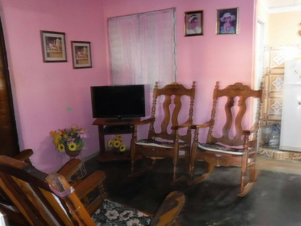 Villa Damy y Roman, Vinales, Cuba, how to rent an apartment or aparthotel in Vinales