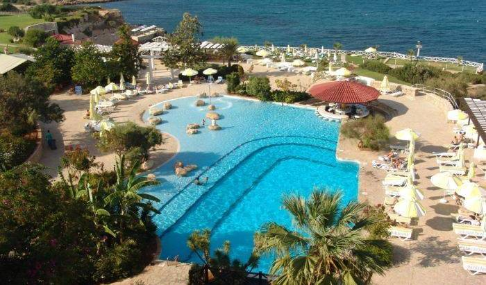 Jasmine Court Hotel and Casino, hotels for christmas markets and winter vacations in Vavilas, Cyprus 13 photos