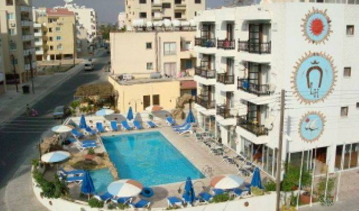 Larco Hotel - Search for free rooms and guaranteed low rates in Tokhni 6 photos