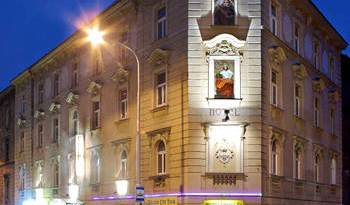 Golden City - Search for free rooms and guaranteed low rates in Prague 7 photos