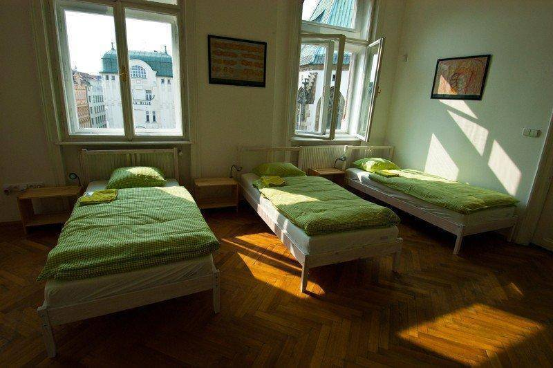 Hostel Jacob, Brno, Czech Republic, compare with the world's largest hotel sites in Brno