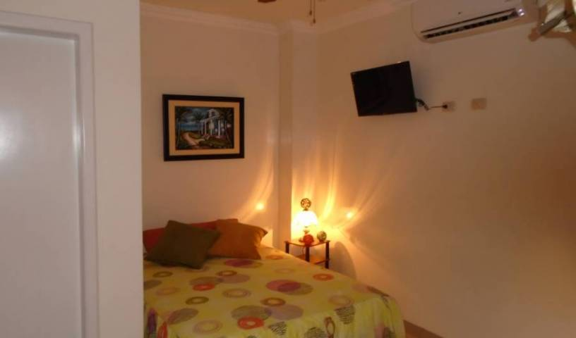 Hotel Jeshua - Search available rooms for hotel and hostel reservations in Guayaquil 24 photos