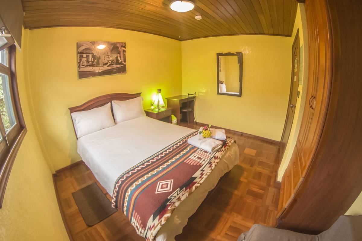 La Casa del Molino Blanco Bedandbreakfas, Banos, Ecuador, international backpacking and backpackers hostels in Banos