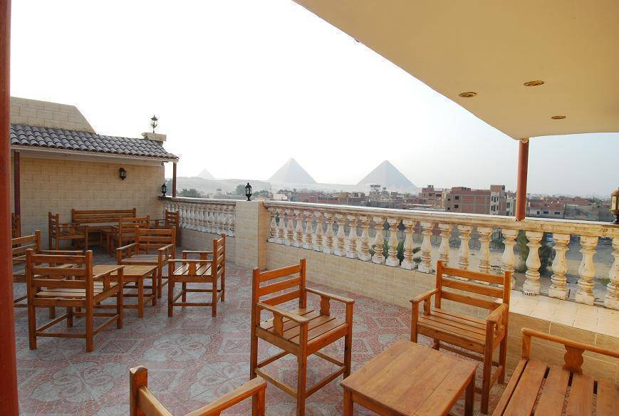 Pyramids Inn Motel, Cairo, Egypt, hotels near pilgrimage churches, cathedrals, and monasteries in Cairo