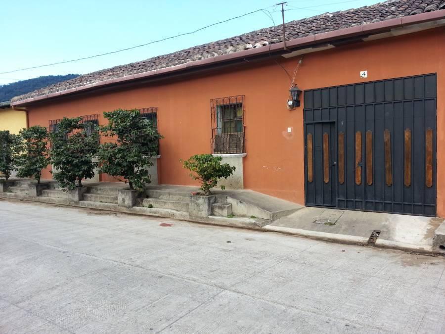 Hostal Bierhaus, Apaneca, El Salvador, Pobyt v hoteli a stretnutie s reálnym svetom, nie turistickou brožúrou v Apaneca