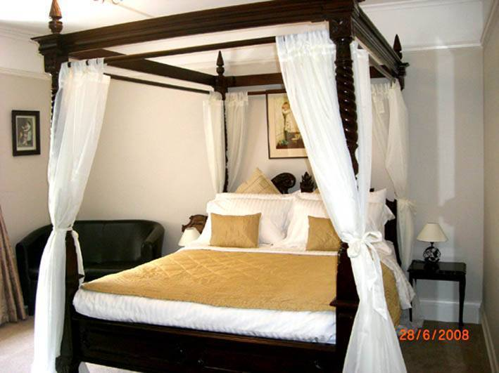 Claverton House Bed and Breakfast, Battle, England, find your adventure and travel, book now with Instant World Booking in Battle