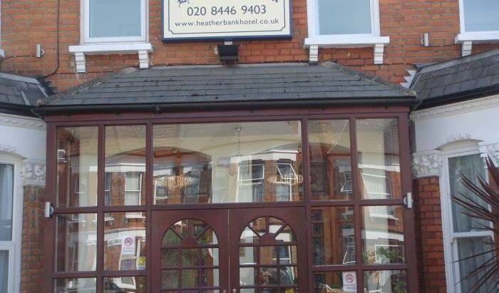 Heatherbank Guest House, where to rent an apartment or aparthotel in Hendon, England 25 photos
