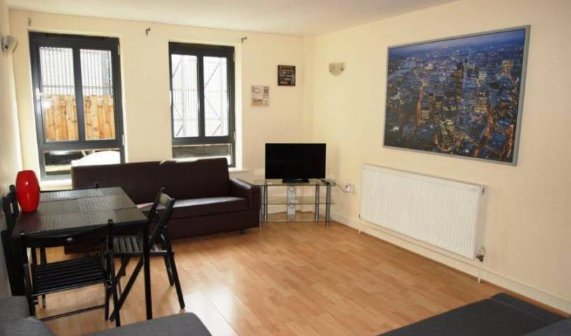 Luxury 2 Bedroom Flat - Get low hotel rates and check availability in North London 9 photos