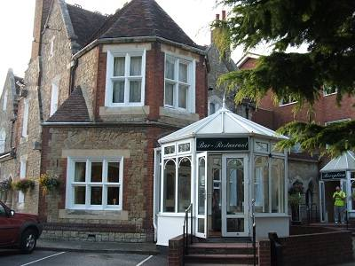 Larkfield Priory Hotel, Maidstone, England, England hotels and hostels