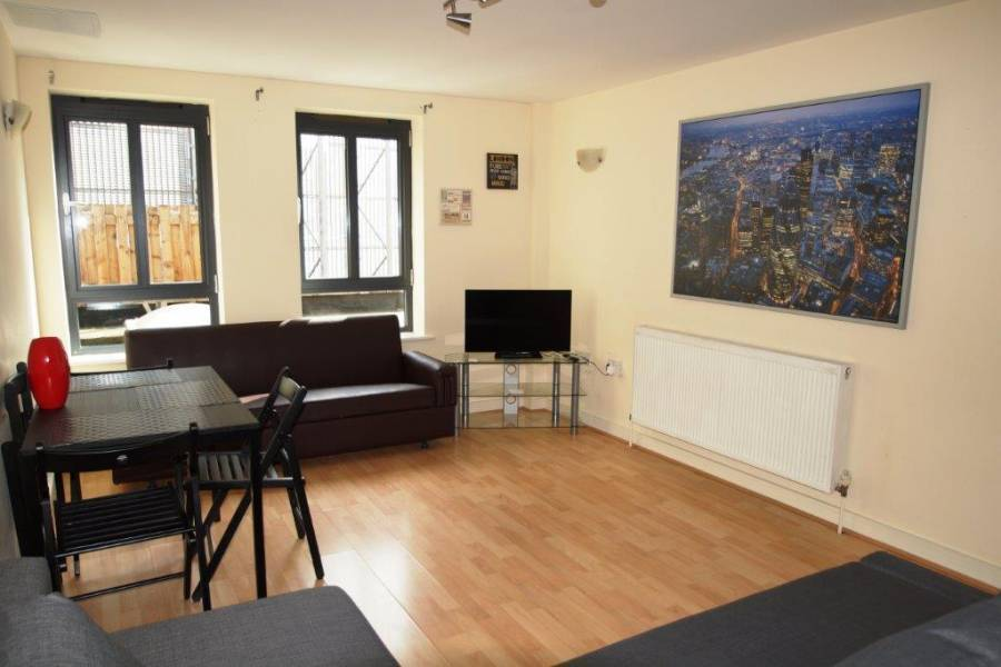 Luxury 2 Bedroom Flat, North London, England, England hotels and hostels