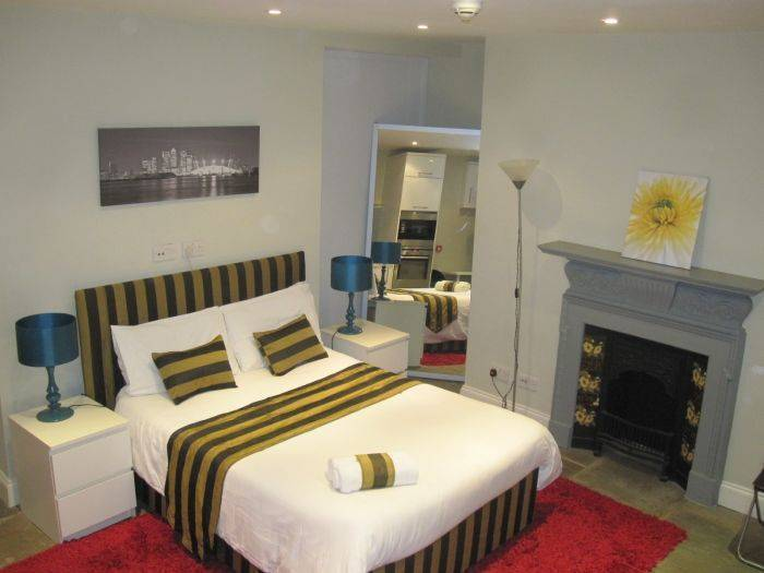 Stay In Holborn, West End of London, England, big savings on hotels in destinations worldwide in West End of London
