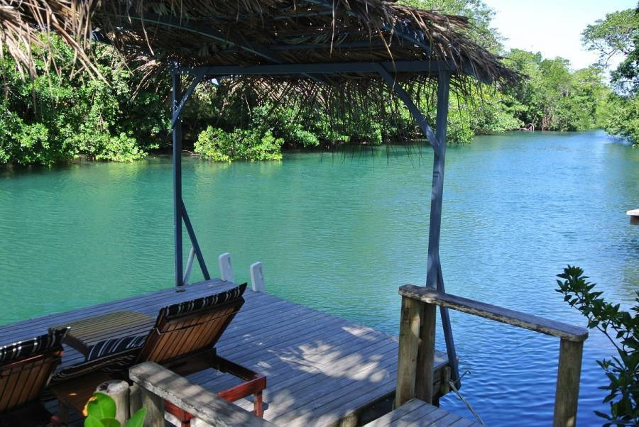 Salt Lake Lodge, Savusavu, Fiji, Fiji hostels and hotels