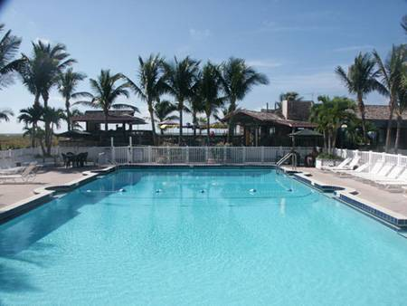 Beachcomber Beach Resort, Saint Pete Beach, Florida, hotels with free breakfast in Saint Pete Beach