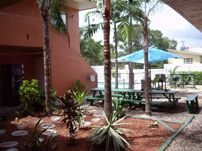 Chocolate 5 Star Hostel and Crew House, Fort Lauderdale, Florida, Florida hotels and hostels