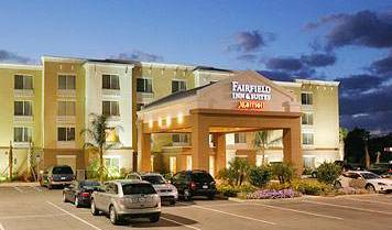 Fairfield Inn and Suites Melbourne - Search for free rooms and guaranteed low rates in Melbourne, how to choose a booking site, compare guarantees and prices 4 photos