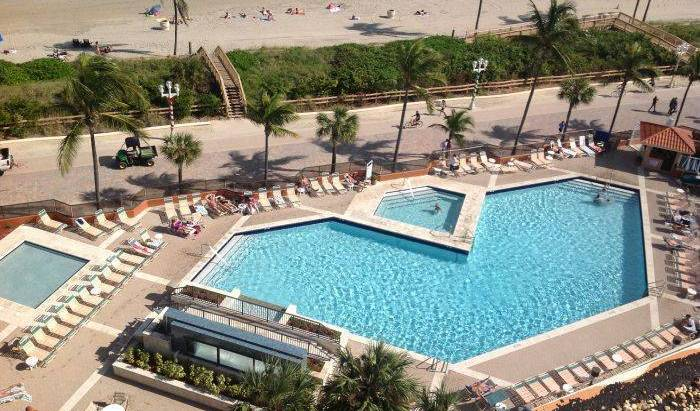 Historic Hollywood Beach Resort - Get low hotel rates and check availability in Hollywood, best hotels for solo travellers 5 photos