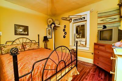 Gram's Place, Tampa, Florida, cheap holidays in Tampa
