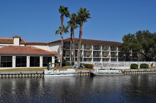 Lake Tarpon Resort, Palm Harbor, Florida, hotels with non-smoking rooms in Palm Harbor