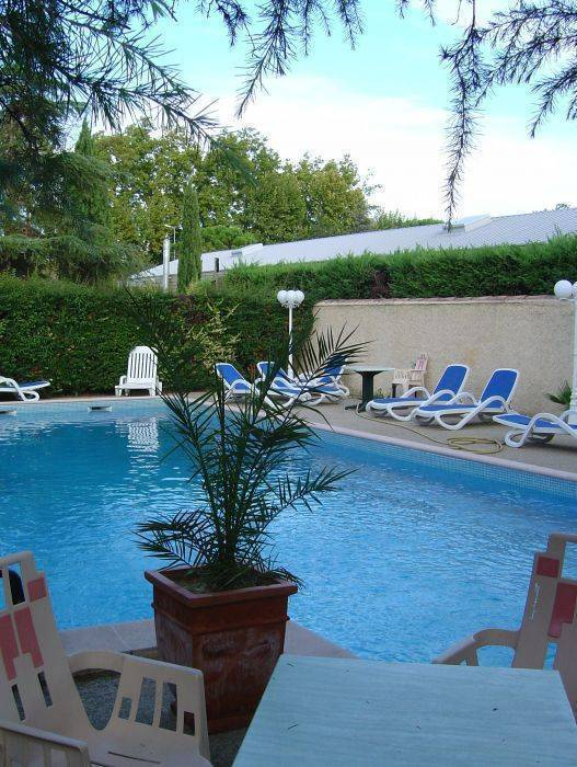 Acotel Confort, Le Pontet, France, France hotels and hostels