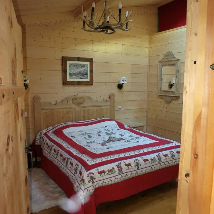 B and B La Taniere de Groumff, Chamonix-Mont-Blanc, France, today's hot deals at hotels in Chamonix-Mont-Blanc