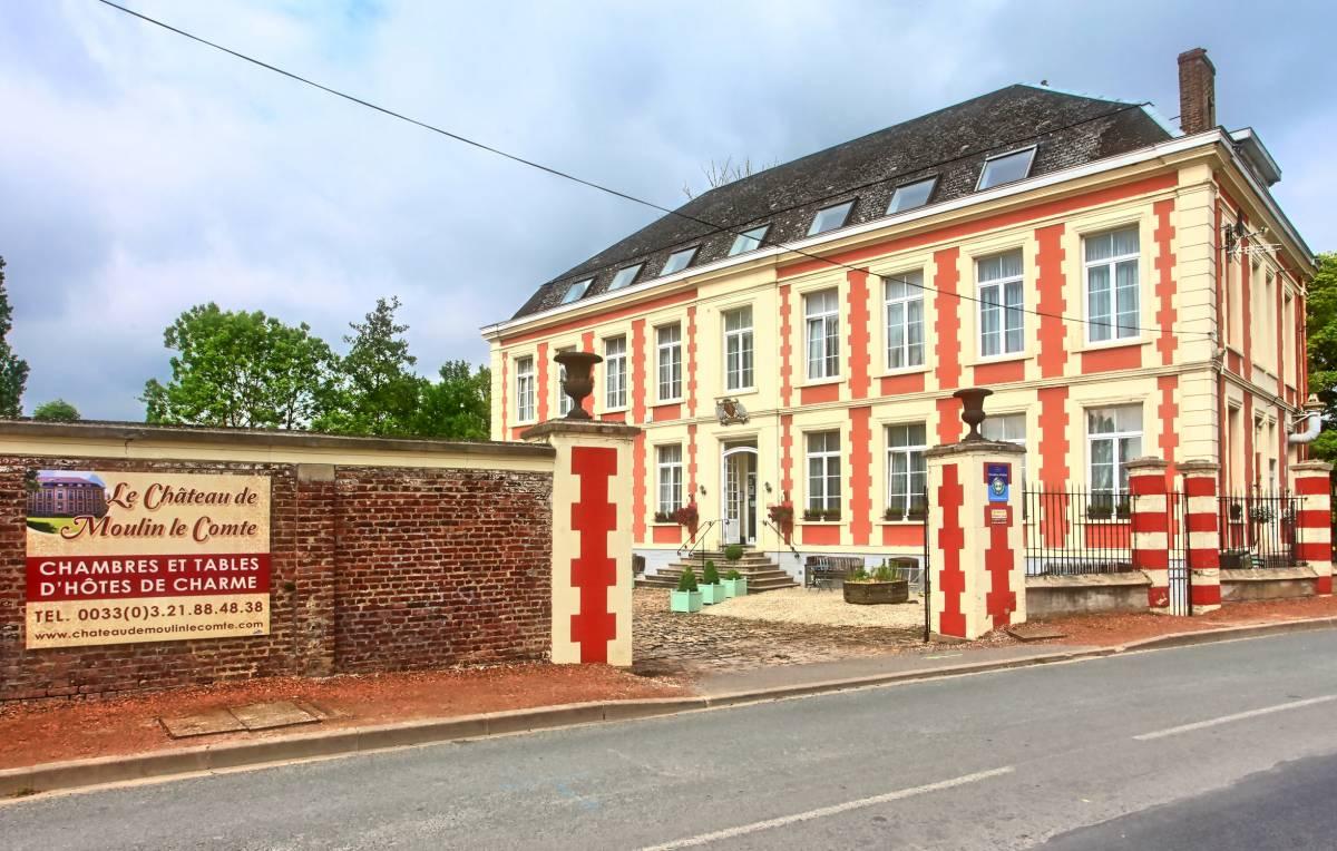Chateau de Moulin Le Comte, Aire-sur-la-Lys, France, France hotels and hostels
