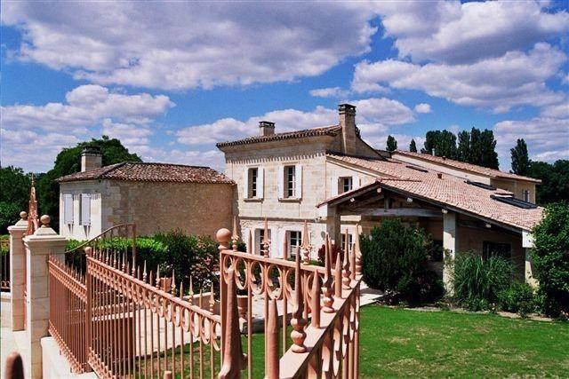 Chateau La Closerie De Fronsac, Saint-Michel-de-Fronsac, France, France hostels and hotels