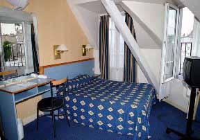 Comfort Hotel Place Du Tertre, Paris, France, hotels in UNESCO World Heritage Sites in Paris