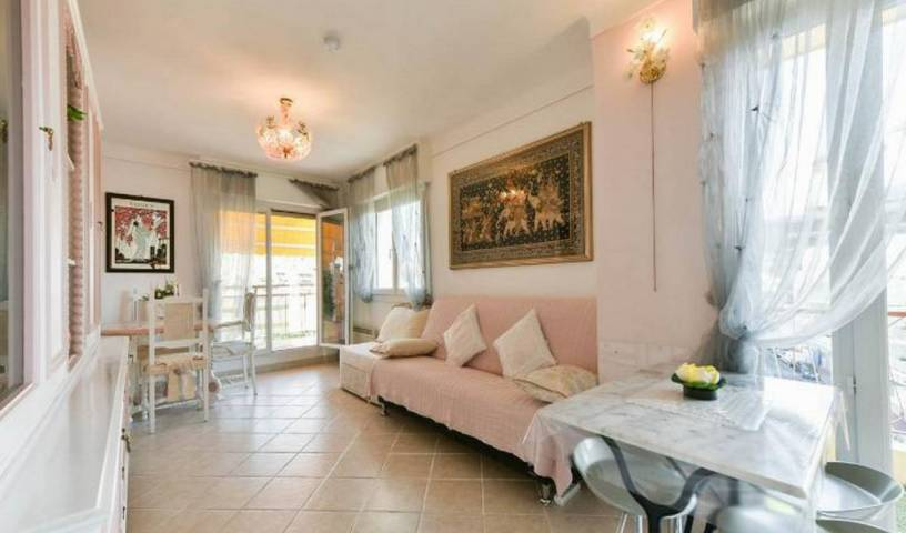 Boite D'amour - Search available rooms for hotel and hostel reservations in Cannes 54 photos